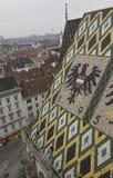 Dach nah oben von Stephansdom-Kathedrale in Wien Lizenzfreie Stockfotografie