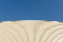 Dach und blauer Himmel Lizenzfreie Stockfotografie