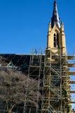 Dach-und Kirchturm-Wiederherstellung katholischer Kirche Heiliges Andrew's stockfotografie