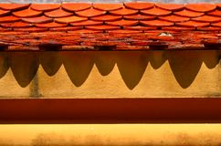 Dach und Schatten Stockfotos