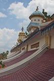 Dach von Cao Dai Temple Stockfotos