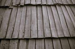 Dach von den hölzernen Latten Lizenzfreies Stockfoto