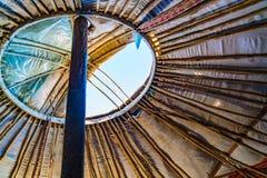 Dach von mongolischem Ger kann sich für gute Belüftung öffnen stockbild