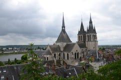 Dach von St-Nicolas-Kirche in Blois Stockfotografie