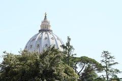 Dach von St- Peter` s Basilika Lizenzfreies Stockfoto