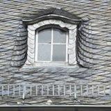 Dach zakrywający z drewnianymi talerzami Obraz Royalty Free