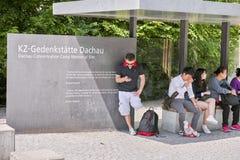 Dachau koncentrationslägeringång arkivfoto