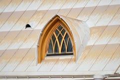 Dachboden-Fenster stockbild