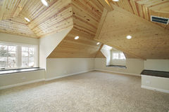 Dachboden im Neubauhaus Lizenzfreie Stockfotografie