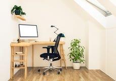 Dachbodenarbeitsplatzmodell stockfoto