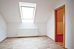 Dachbodenwohnung Stockfoto