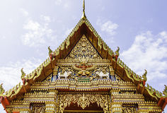 Dachowa laythai świątynia z niebem Fotografia Stock