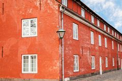Dachowy terakotowy koloru koszary w Kastellet fortecy copenhagen Denmark fotografia stock