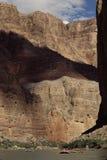 Dachsparren auf Kolorado-Fluss Stockfoto