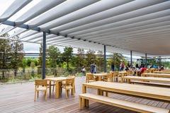 Dachspitze der neuen Apple-Park-Besucher-Mitte stockbilder