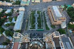 Dachspitze vom Wolkenkratzer in Moskau Stockfotografie