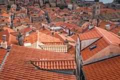 Dachspitzen alter Stadt Dubrovniks lizenzfreie stockfotografie