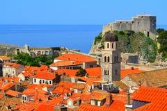 Dachspitzen in Dubrovnik, Kroatien stockbilder