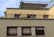 Dachspitzen-Terrasse und eingezäuntes Erholungsgebiet Stockfoto