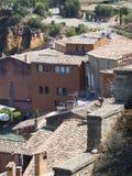 Dachspitzen von Roussillon, Frankreich Lizenzfreies Stockbild