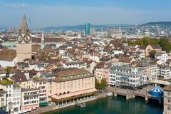 Dachspitzen von Zürich, die Schweiz Stockfotos