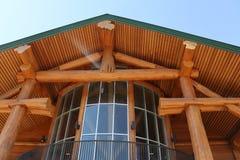 Dachspitzenverbindung des festen Holzes Stockbilder