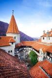 Dachy Dracula Roszują w wewnętrznym jardzie, Rumunia fotografia stock