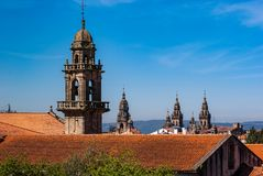 Dachy i steeples katedra Santiago De Compostela obraz royalty free