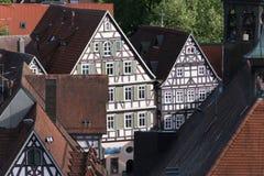 dachy na drewnianej strukturze w mieście zdjęcia stock