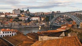 Dachy Vila Nova De Gaia Douro rzeka, Ribeira i Dom, Luis Porto, przerzucam most Zdjęcia Royalty Free