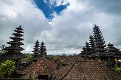 Dachy w Pura Besakih świątyni w Bali wyspie, Indonezja obrazy stock