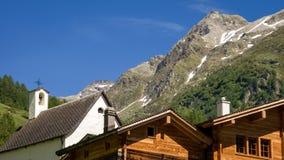 Dachy w wiosce w Binntal w lecie Valais, Szwajcaria obraz royalty free