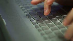 Dactilografia no teclado filme
