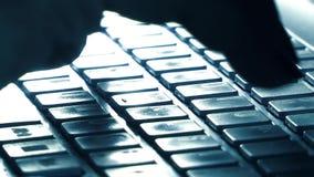 Dactylographie de clavier de travail de bureau d'informatique clips vidéos
