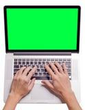 Dactylographie de la main de l'homme Photographie stock libre de droits