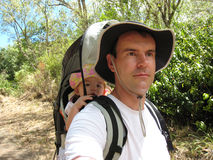 Dad hiking with baby daugther Royalty Free Stock Photos
