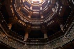 Dada Harir Vav stepwell är en hinduisk vattenbyggnad i Asarwa Ahmedabad i indier royaltyfria foton