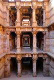 Dada Harir Vav stepwell är en hinduisk vattenbyggnad i Asarwa Ahmedabad i indier royaltyfri fotografi