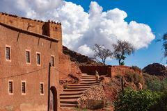 Dades wąwóz jest wąwozem Dades rzeka w atlant górach w Maroko obraz royalty free