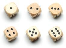 Dadi di legno, tutti i numeri Immagini Stock