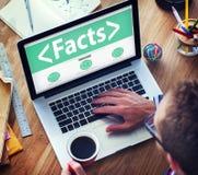 Dados da informação dos fatos que analisam conceitos da realidade fotografia de stock