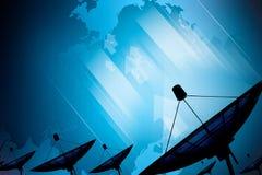 Dados da transmissão da antena parabólica no azul digital do fundo Imagens de Stock