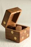 Dados de madera imágenes de archivo libres de regalías