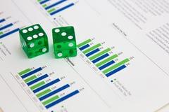 Dados en las finanzas I Fotografía de archivo libre de regalías