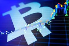 Dados que analisam no mercado de valores de ação da troca: os carvões animais da vela no dis Foto de Stock