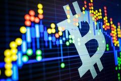 Dados que analisam no mercado de valores de ação da troca: os carvões animais da vela no dis Fotos de Stock Royalty Free
