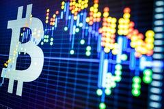 Dados que analisam no mercado de valores de ação da troca: os carvões animais da vela no dis Fotos de Stock