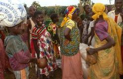 Dae (dispositivo automático de entrada) de alimento em Burundi. fotografia de stock