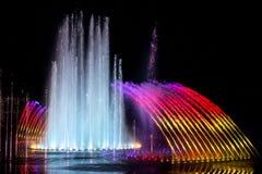 Daedepo音乐喷泉韩国,五颜六色的喷泉喜欢冠 图库摄影