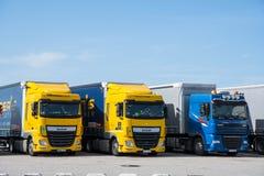 DAF Lorry que espera uma balsa fotografia de stock